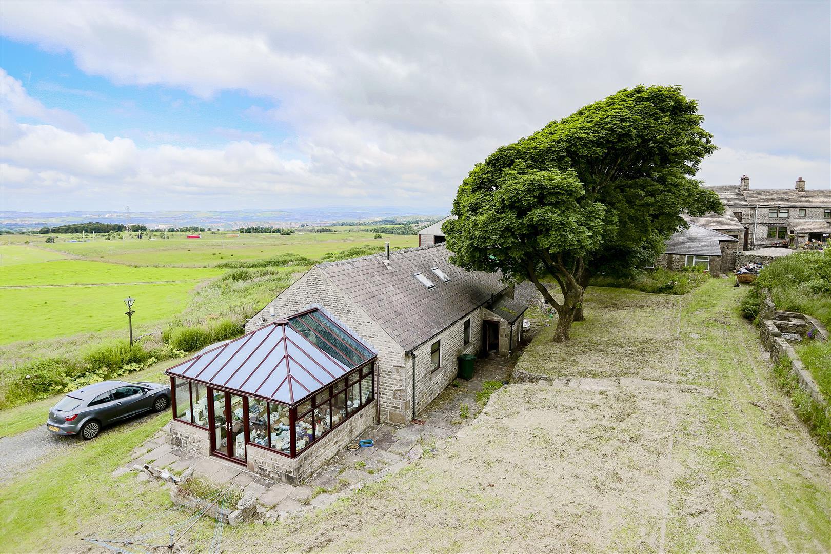 2 Bedroom Barn Conversion For Sale - IMG_2417.jpg